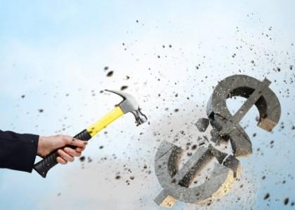 Изображение молотка и знака доллара
