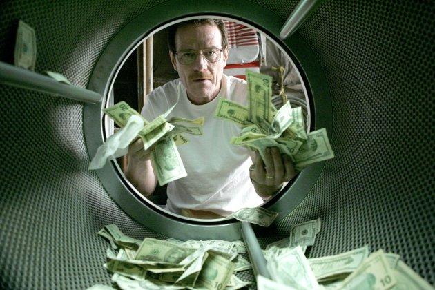 Изображение человек с долларами